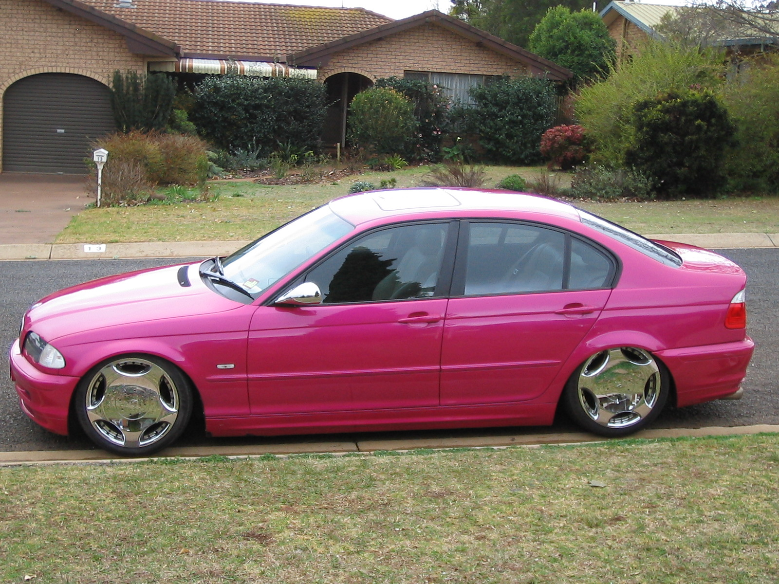 Hot Pink Car Paint 1600 x 1200 · 726 kB · jpeg